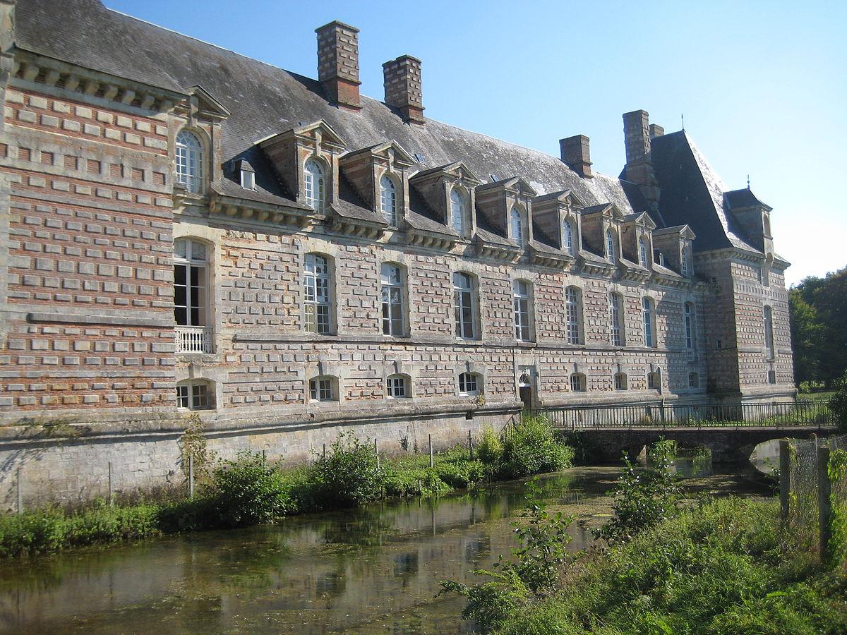 1200px-Chateau_de_fervaques